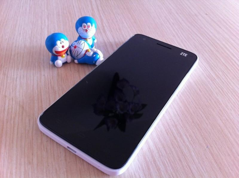 Обзор смартфона ZTE Grand S (V988)