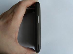 Фото ZTE Libra (X880) - вид справа с качелькой громкости