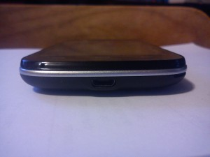 Фото смартфона ZTE V809 Blade C2 - с нижнего торца